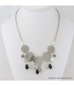 Collier en filigrane, cristal et métal noir