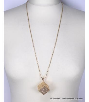 Sautoir pendentif cube filigrane et strass doré