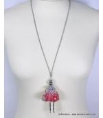 Sautoir poupée strass et métal rouge corail