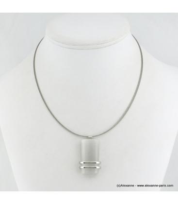 Collier rectangulaire oeil de chat en métal et verre blanc