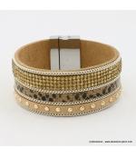 Bracelet manchette en cuir sythétique strass et clous