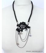 collier fleur dentelle
